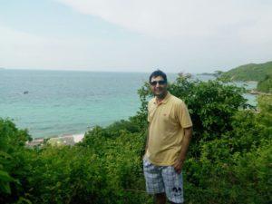 abdul-wali-in-koh-larn-island-pattaya