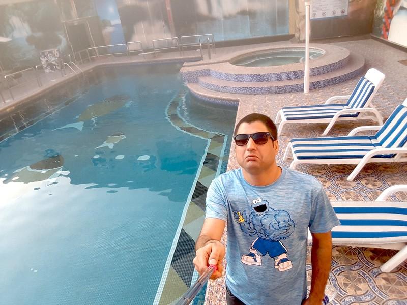 abdul-wali-in-bahrain-hotel