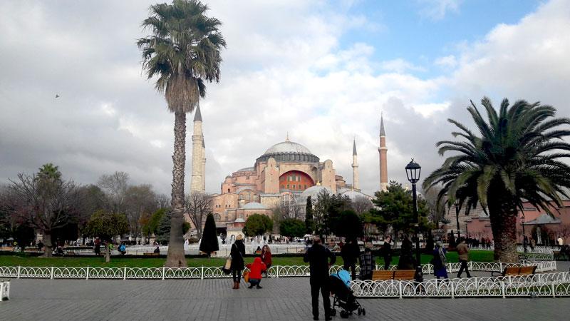 sultanahmet-mosque-in-istanbul