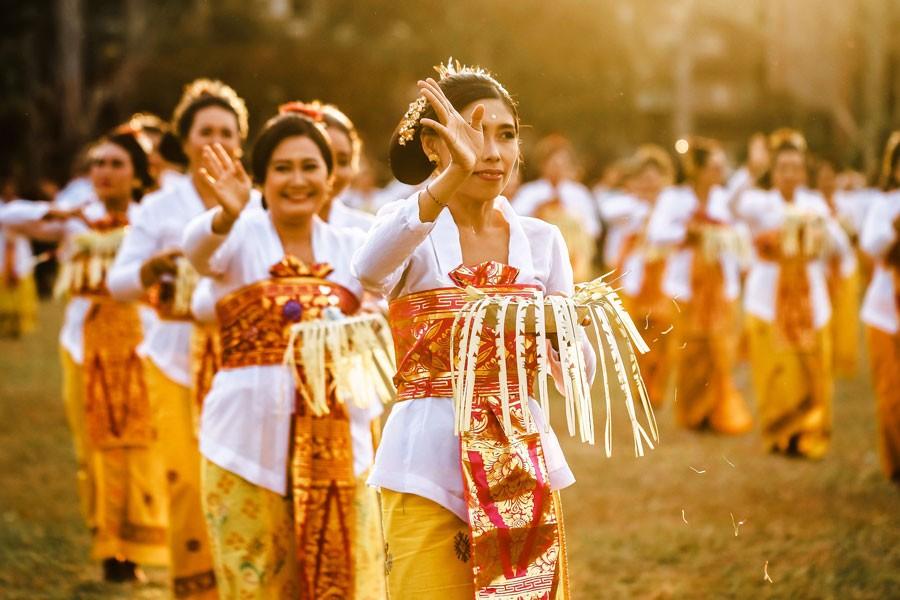 bali indonesia woman